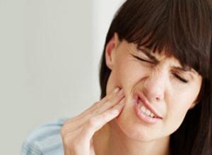 como curar dor de dente em casa?