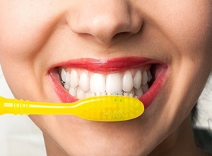 como eliminar placa bacteriana dos dentes