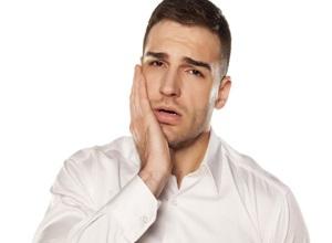 como tratar dor de dente em casa