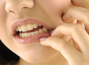dente ciso nascendo