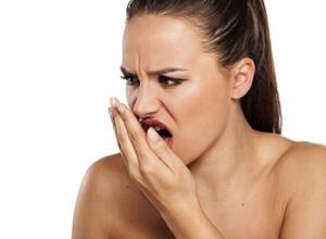 tirar mau hálito da boca